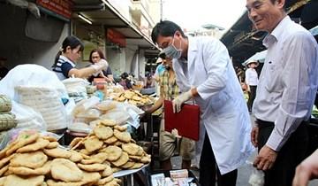 Hoàn thiện chế tài xử lý vi phạm lĩnh vực y tế, an toàn thực phẩm